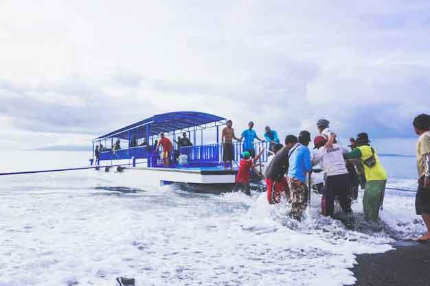Penyebrangan ke Nusa Penida
